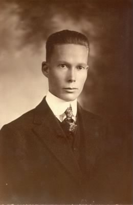 Lyle Lawrence Carringer (1891-1976) - taken in 1918