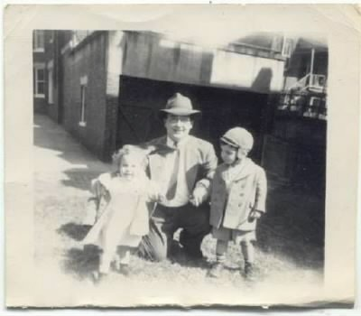 Howard Irving LEWIS and his only two children in Washington DC. Abt 1950.