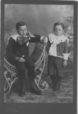 Loren and Melvin Sisson - About 1898.jpeg
