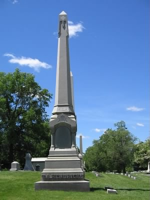 450px-Thomas_Hendricks_tomb.jpg