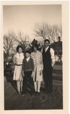 Bereuter, Harriett, Robert, Edith, Ernie 1930.JPG