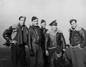 Jack and 323 squadron members.jpg