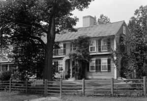 Source: http://en.wikipedia.org/wiki/File:Colonel_william_prescott_house_pepperell_middlesex_county_massachusetts_photo_no_1.jpg