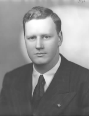 Paul Bills 1946 Portrait.jpg