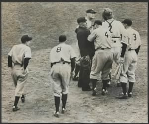 lou-gehrig-argues-his-point-in-the-1938-series.png