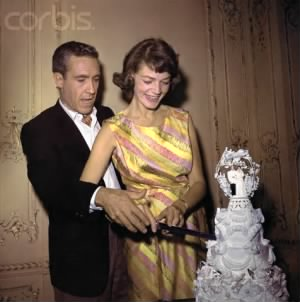 Robards and Bacall cutting the wedding cake.jpg