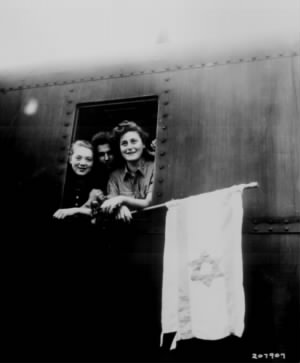 Jewish children on way to Palenstine leaving Buchenwald Concentration Camp.jpg